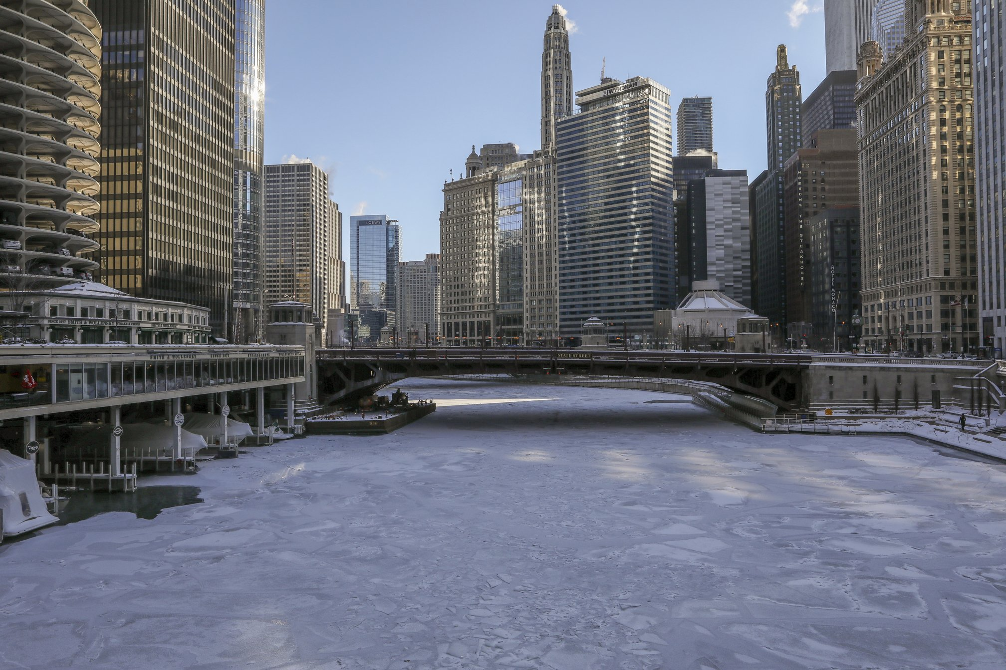Schools, offices close amid Midwest cold snap