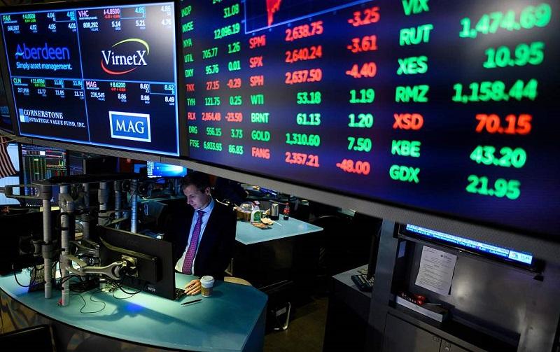 US stocks open mixed amid earnings