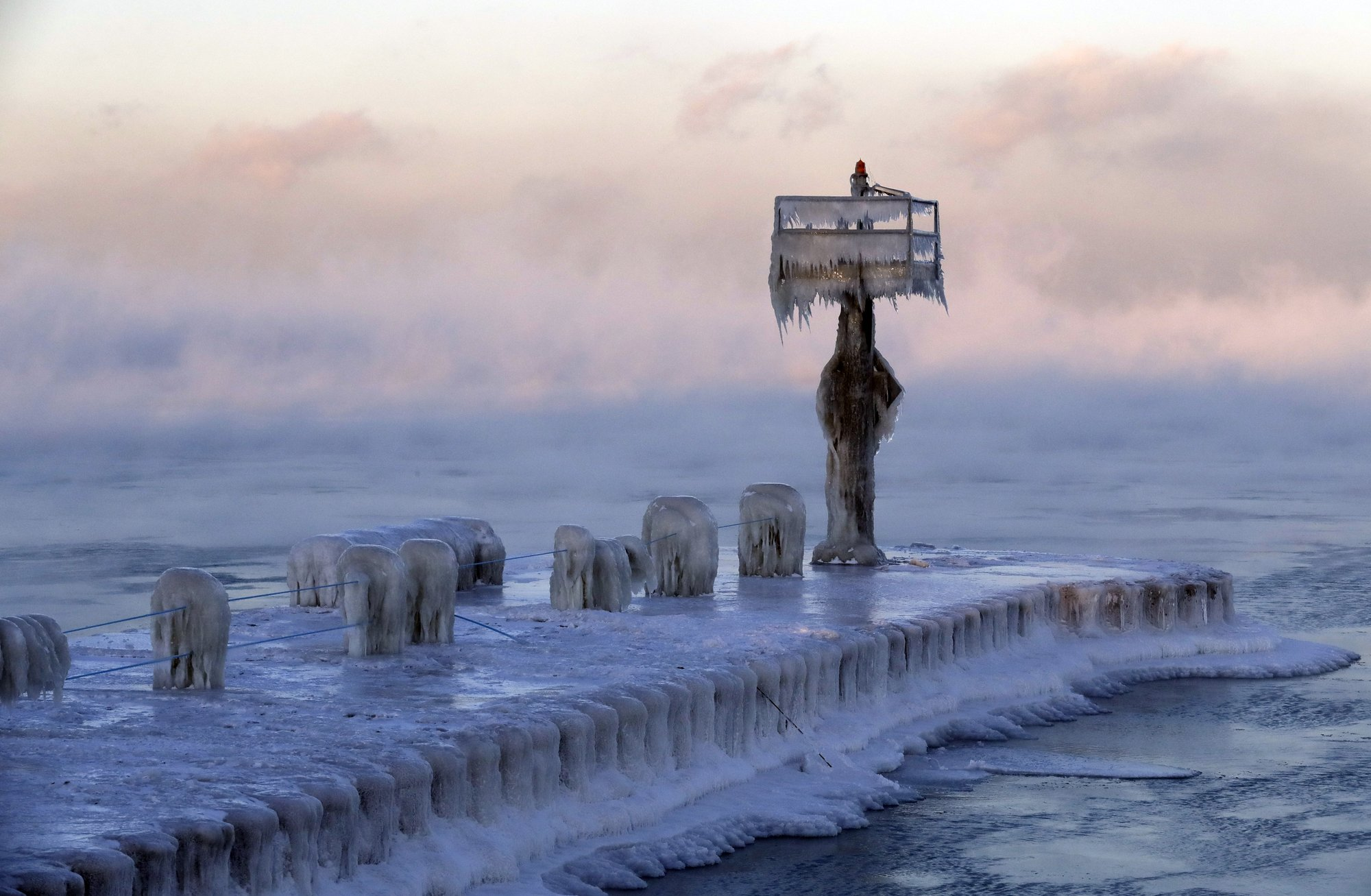 Arctic cold pounds on US Northeast and Midwest