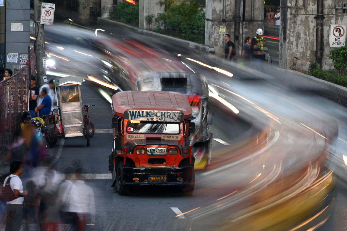 End of an era for artsy Philippine 'jeepney' bus