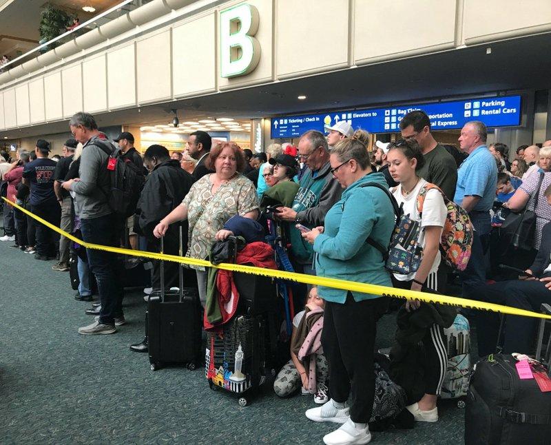TSA officer jumps to his death at Orlando airport