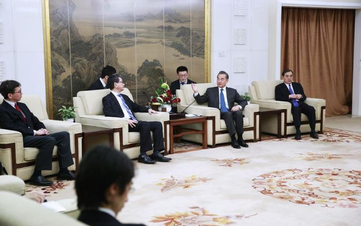 Chinese state councilor meets senior Japanese diplomat