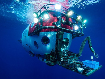 A deep dive with China's 'Deep Sea Warrior' submersible