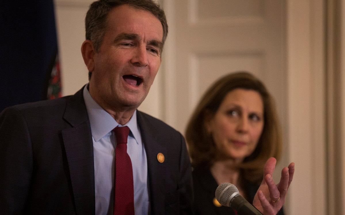 Virginia governor denies being in racist yearbook photo