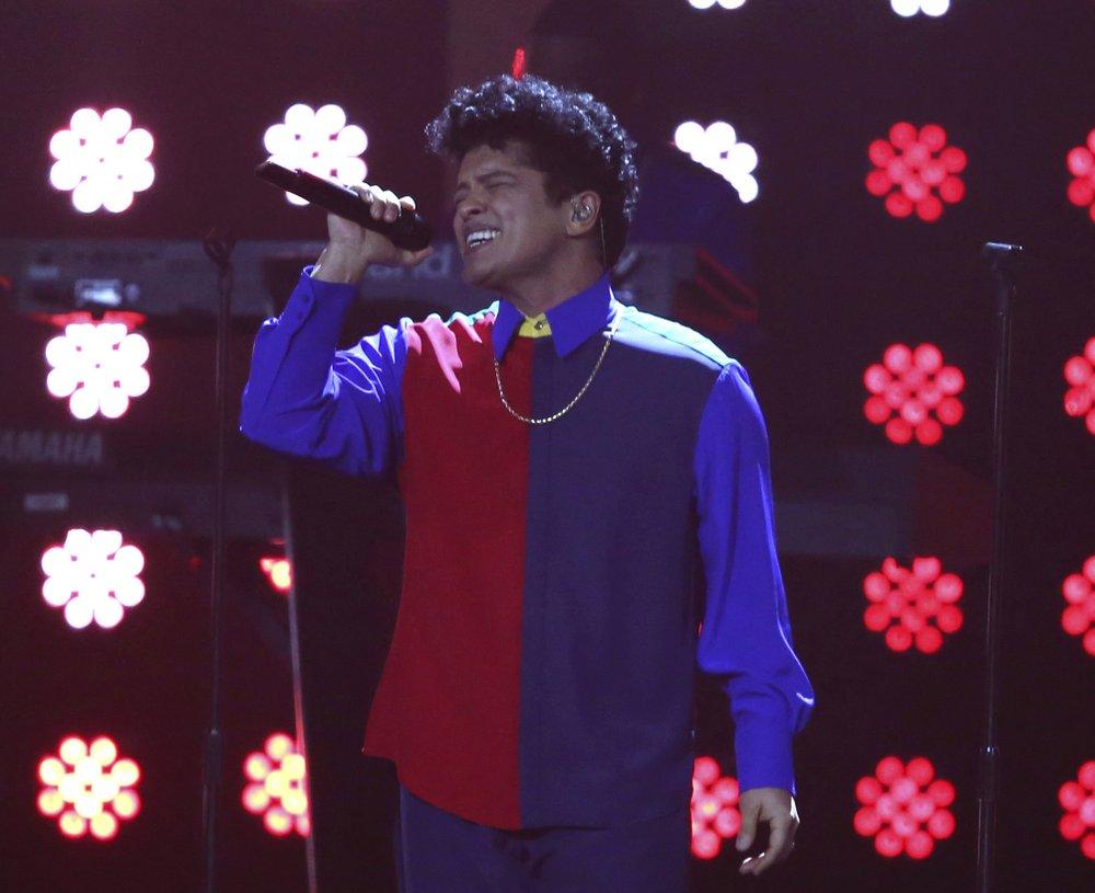 Bruno Mars puts on stellar concert show ahead of Super Bowl