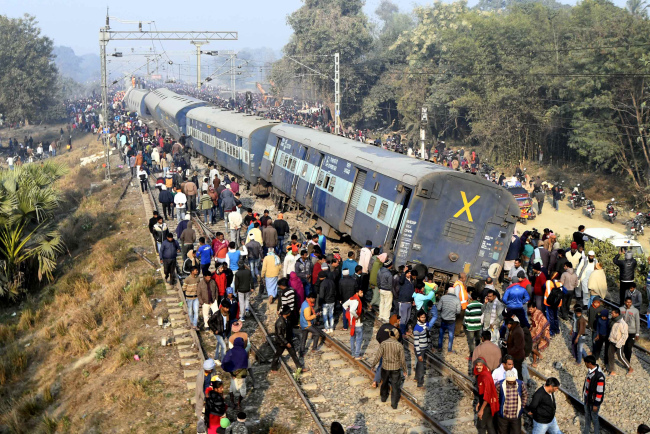 Death toll from train derailment in Eastern India rises to 7