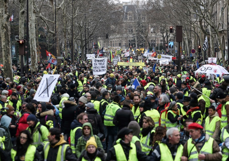 France's 'yellow vests' rail against police violence