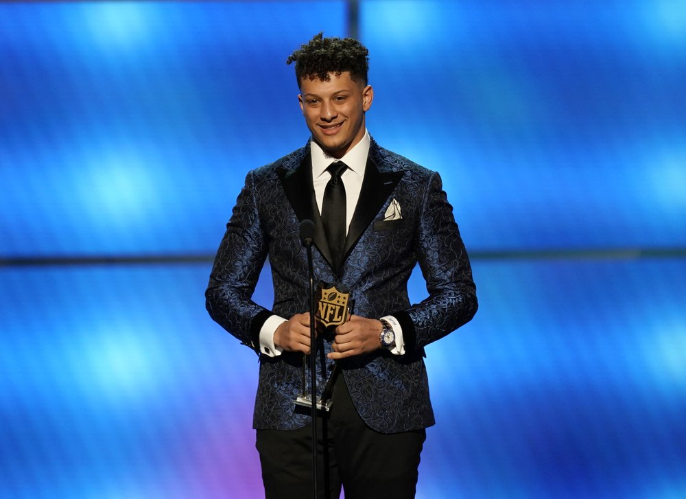 Chiefs QB Mahomes honored as MVP and top offensive player