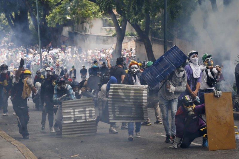 Trump considers military intervention in Venezuela an 'option'