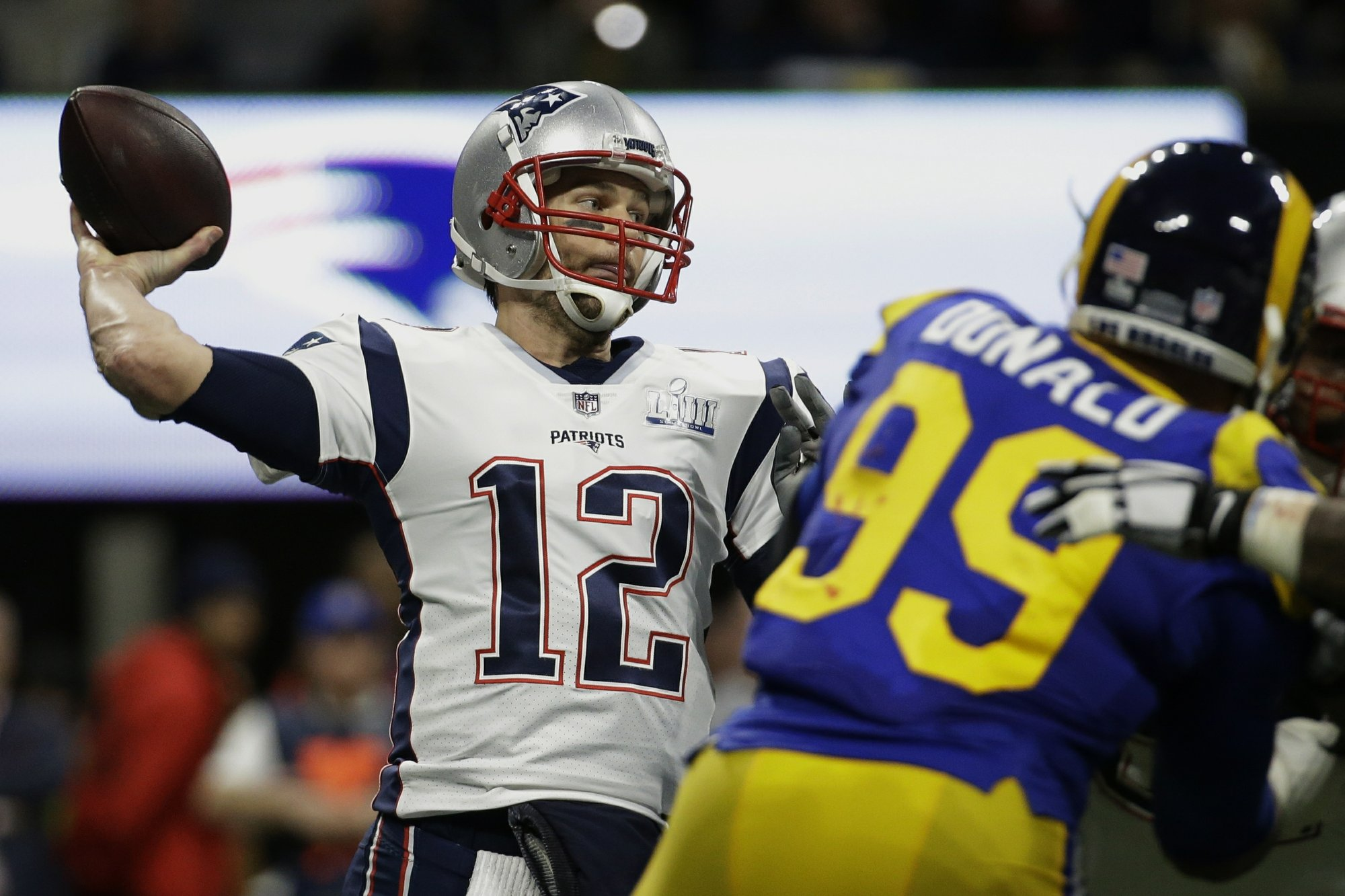 Brady merely average, but good enough for championship No. 6