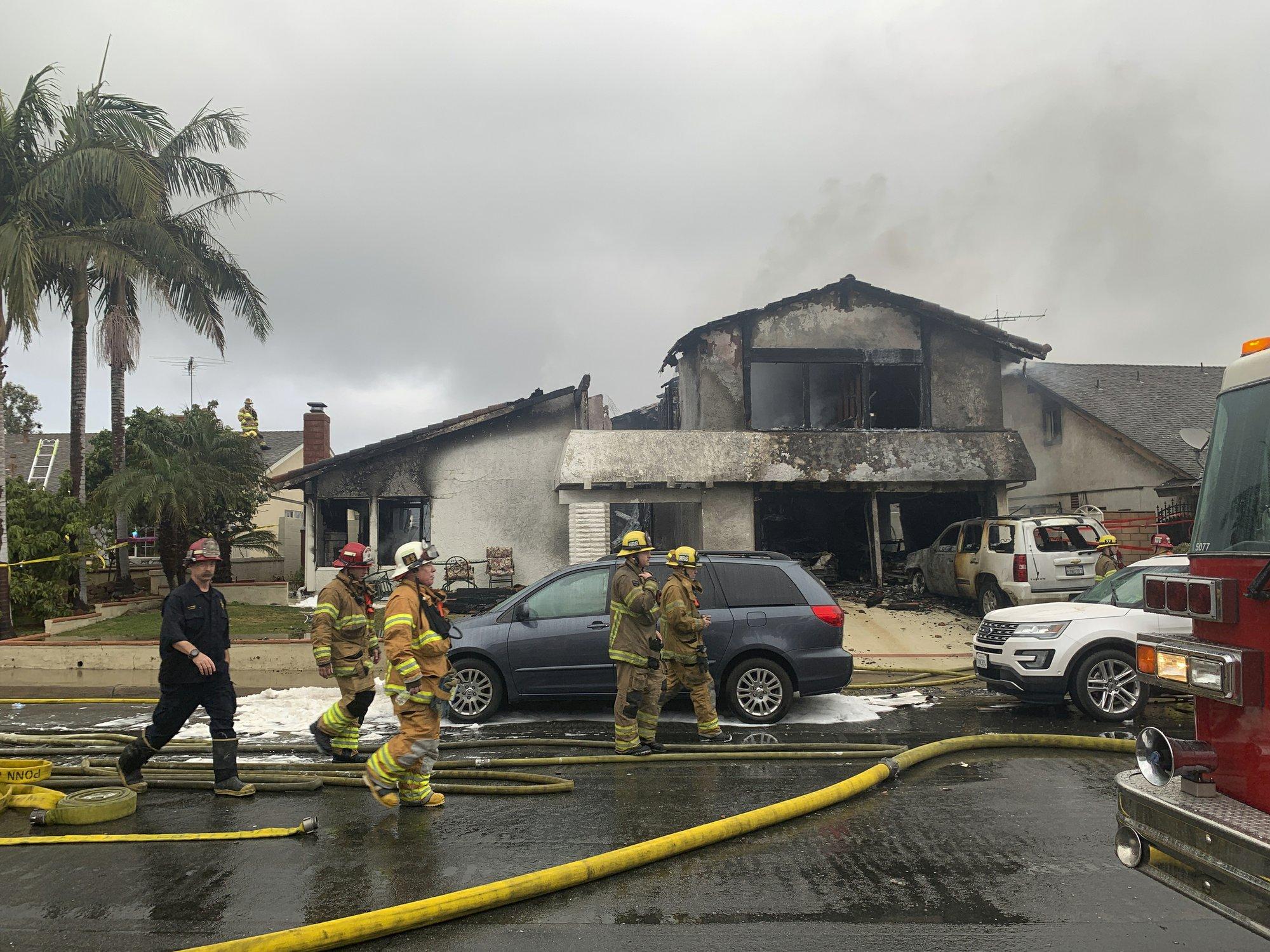 Plane breaks apart over California neighborhood, 5 killed