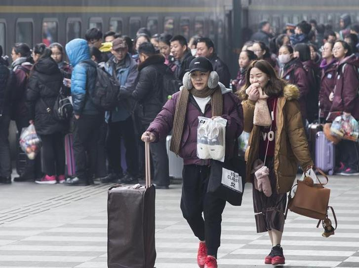 China's railway trips up 8.6 pct in first 15 days of travel rush
