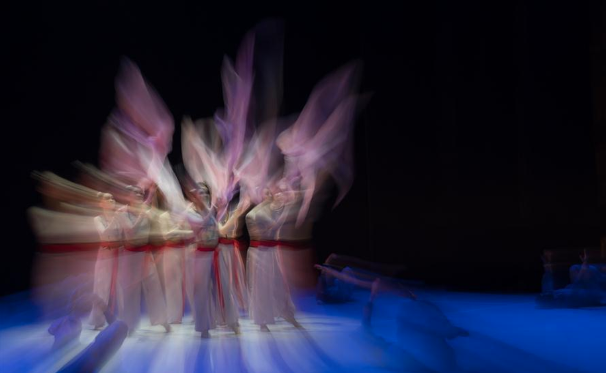 Artists from Beijing Dance Academy perform in Budapest, Hungary