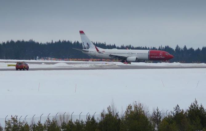Norwegian flight returns to Stockholm after bomb threat