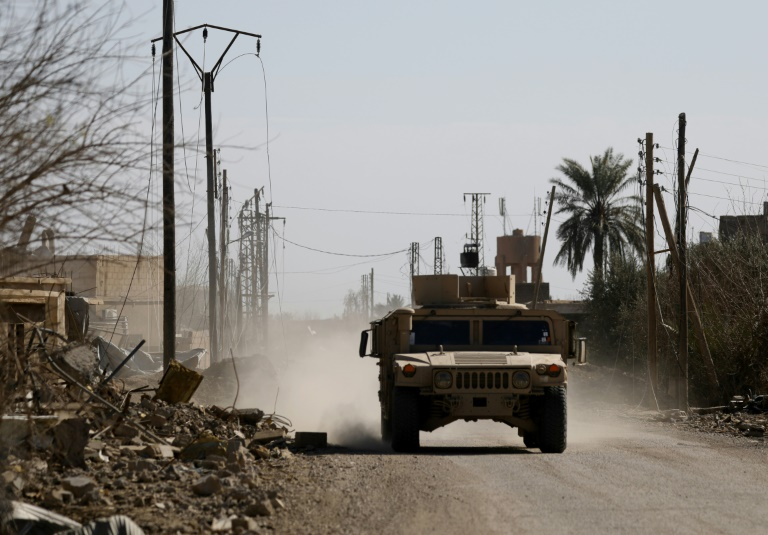 'Heavy clashes' as US-backed forces battle IS in Syria: monitor