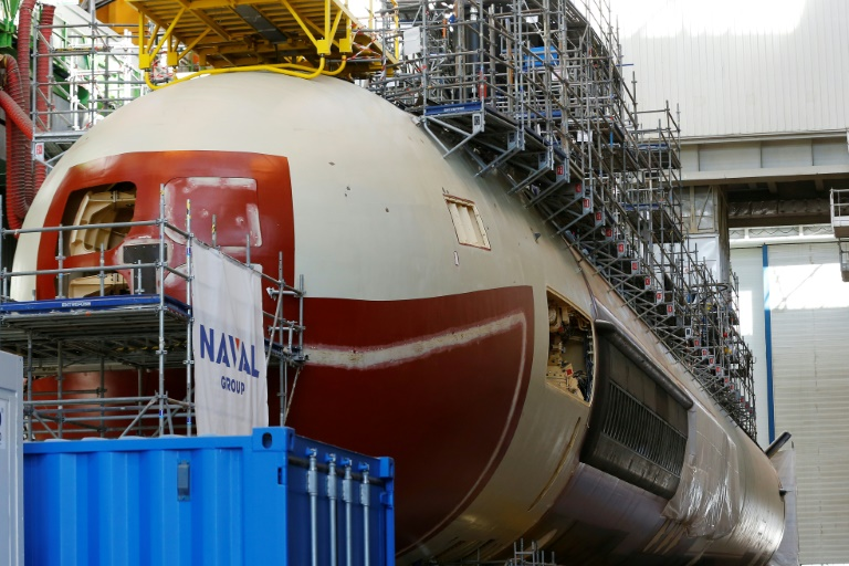 Australia signs massive sub deal with French firm