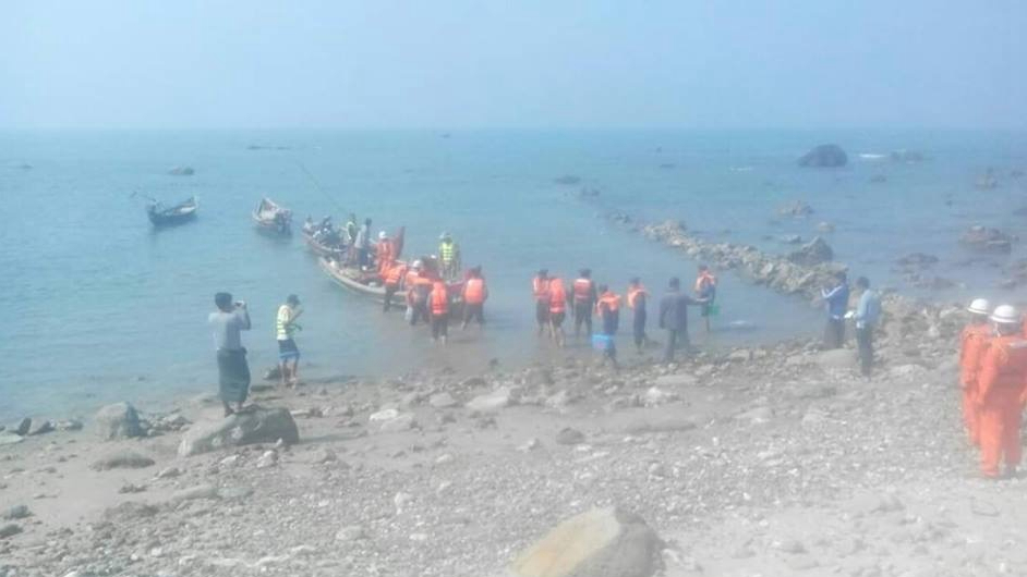 19 missing after vessel capsizes in Myanmar