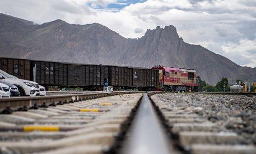 Freight train sends butter from Shenzhen to Tibet