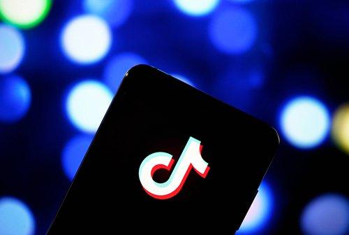 Fast-growing Chinese short video platform TikTok challenges Instagram, Snapchat