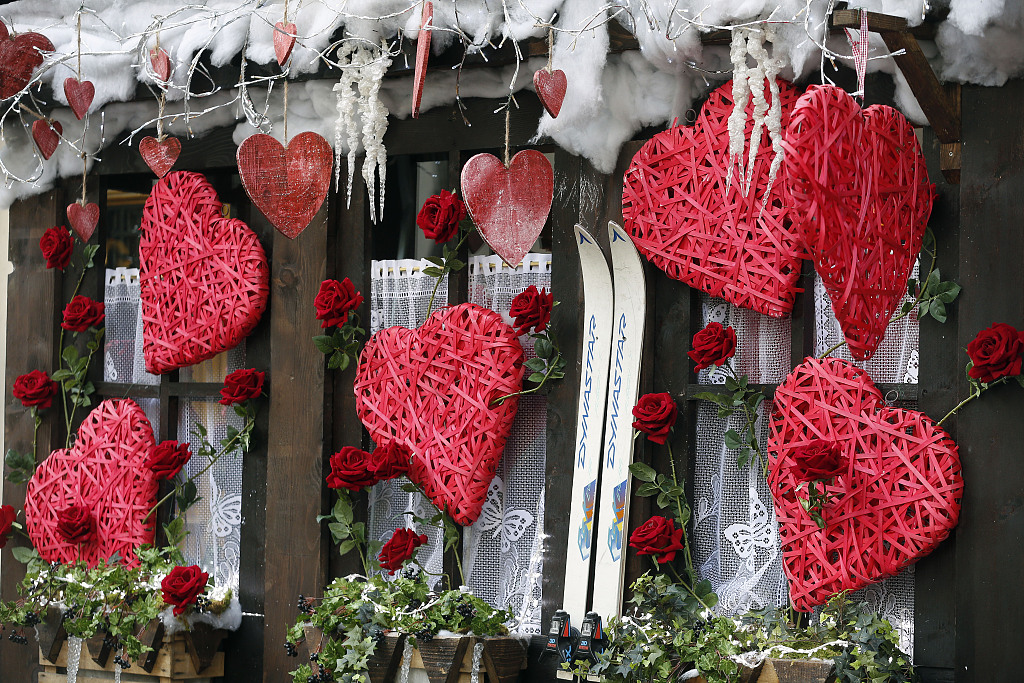 Paris still the most romantic place for Valentine's Day