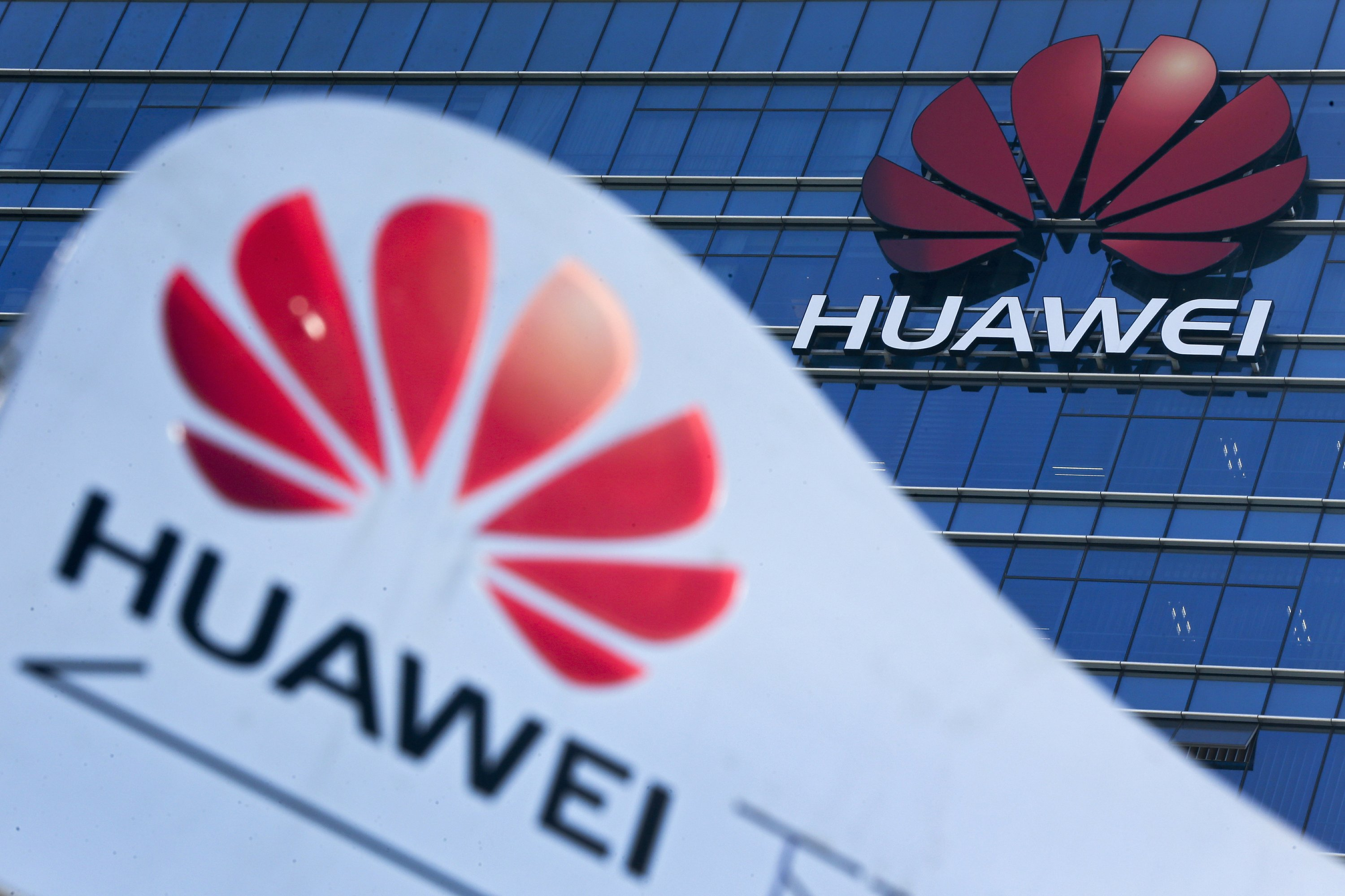 Huawei says doesn't wish to escalate further with Czech cyber watchdog
