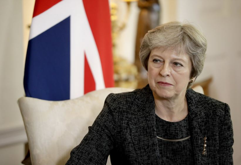 UK economy dragged by no-deal Brexit