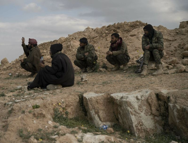 US-backed fighters squeezing IS gunmen in eastern Syria