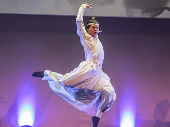 Chinese artists perform at Spring Festival gala in Dublin