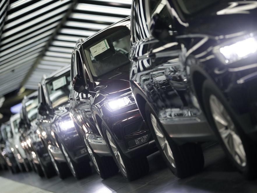 White House mulling auto tariffs raises US carmakers' concern