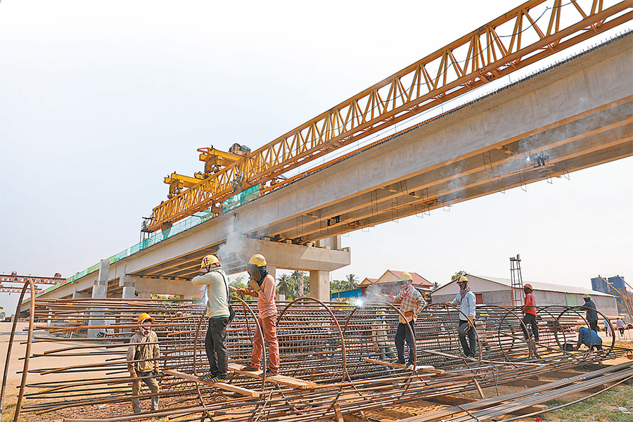 """Chinese constructor builds """"bridge of hope"""" in Cambodia"""