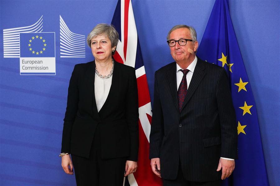 No Brexit breakthrough, Juncker and May to talk again this month