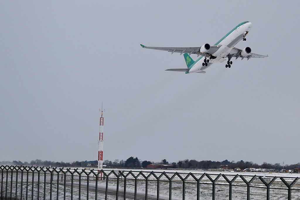 Dublin Airport says flights resume after drone sighting suspension
