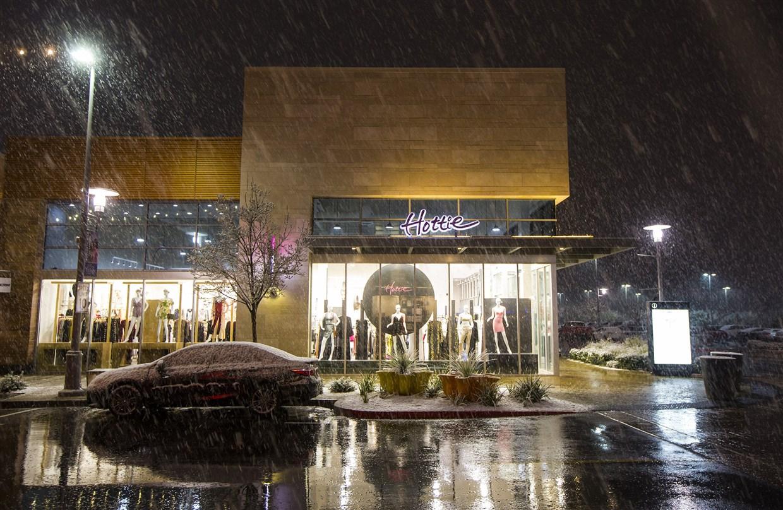 Snow in Las Vegas! Strip gets first white stuff in decade
