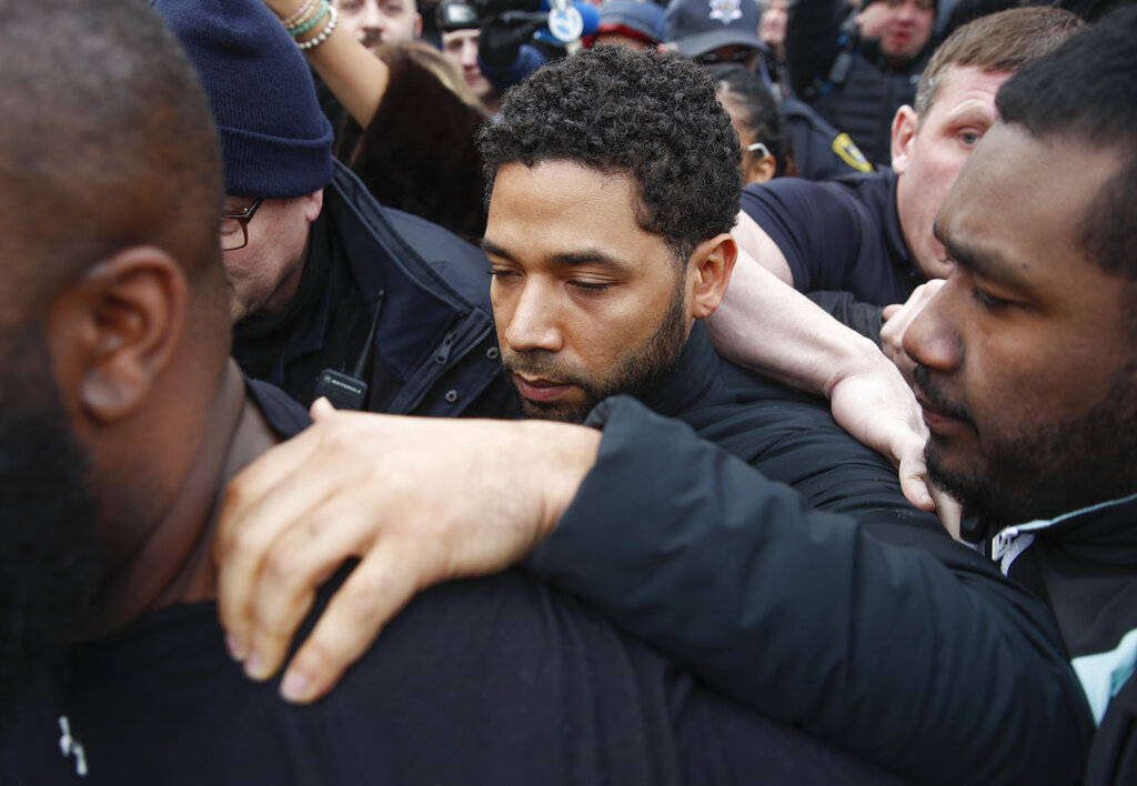Prosecutors: Smollett paid brothers $3,500 for staged attack