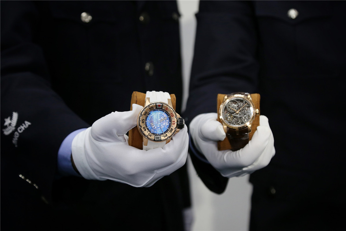 Authorities launch crackdown on watch smuggling