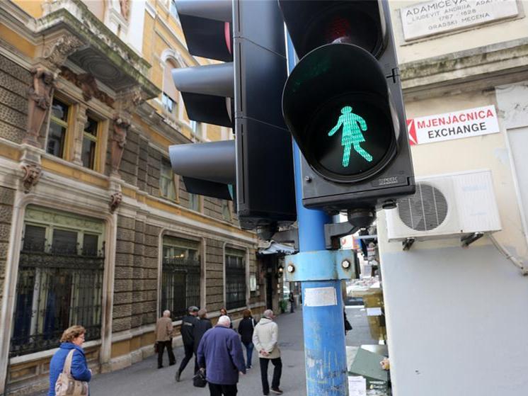 """Women's traffic light"" used to celebrate upcoming Int'l Women's Day in Rijeka, Croatia"