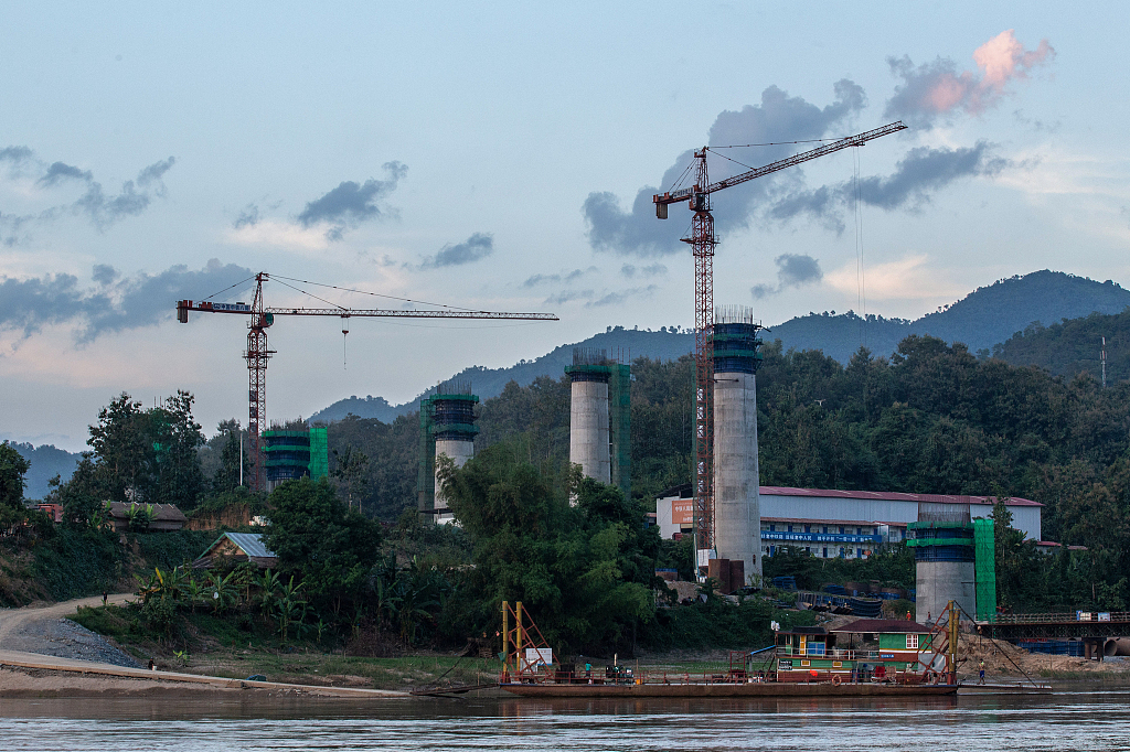 China, Laos to promote cooperation on economic corridor, other projects