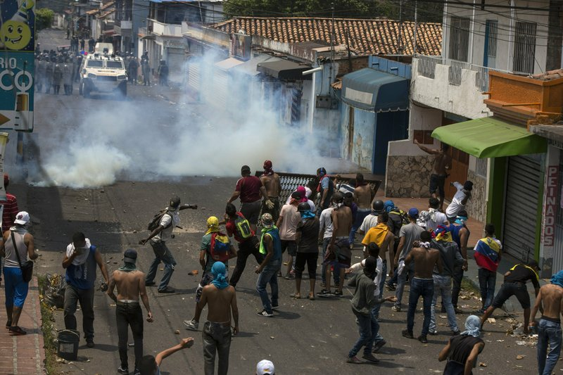 Venezuela severs diplomatic relations with Colombia
