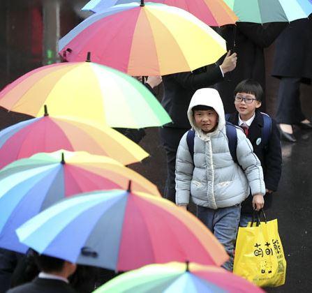 Shanghai dryer sales boom as rain starts laundry crisis