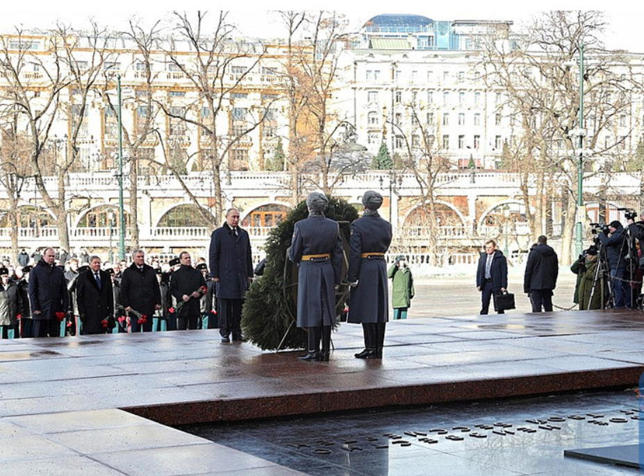 Putin salutes fallen soldiers on Defender of Fatherland Day