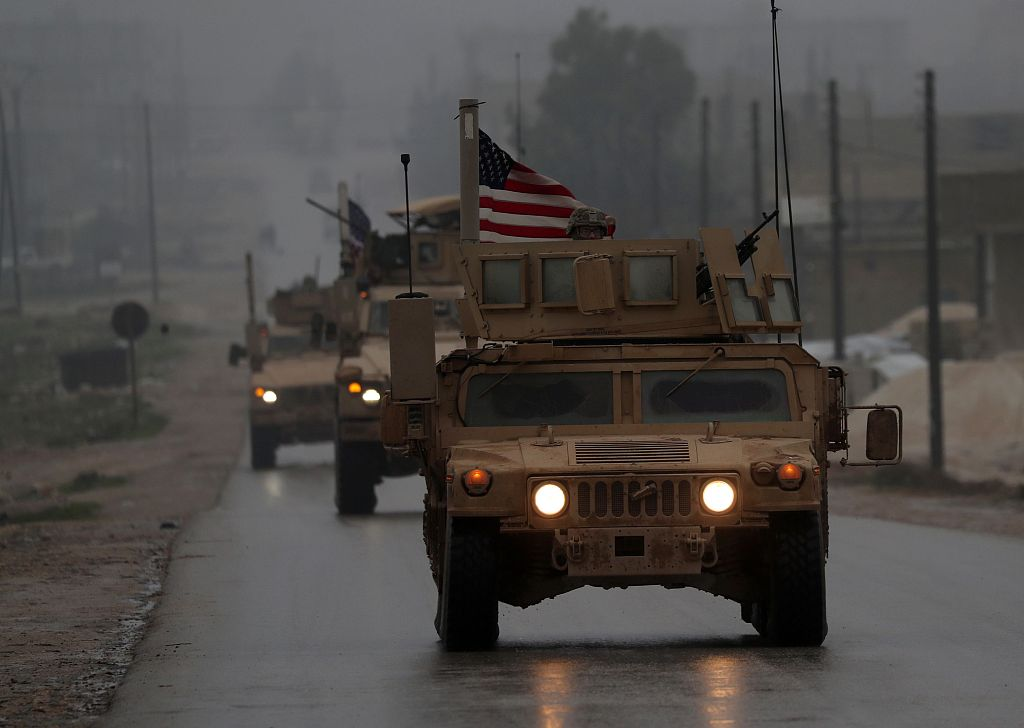 US-backed Syria force resumes evacuations from last IS redoubt