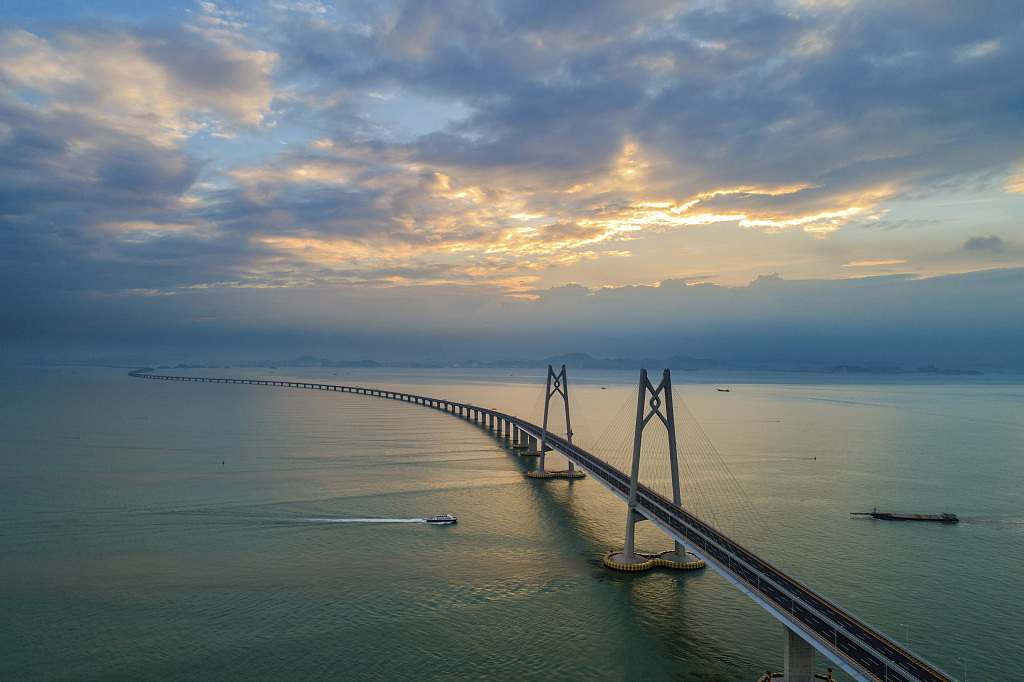 China's HK, mainland discuss risk management on projects under Belt and Road development