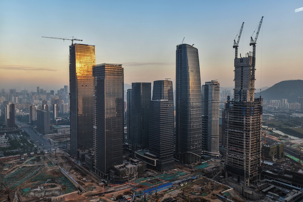 Shenzhen economy surpasses Hong Kong for the first time