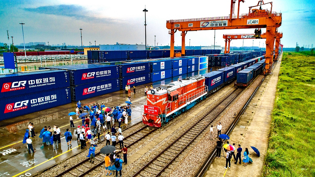 Chinese commerce official calls on EU to be open, inclusive