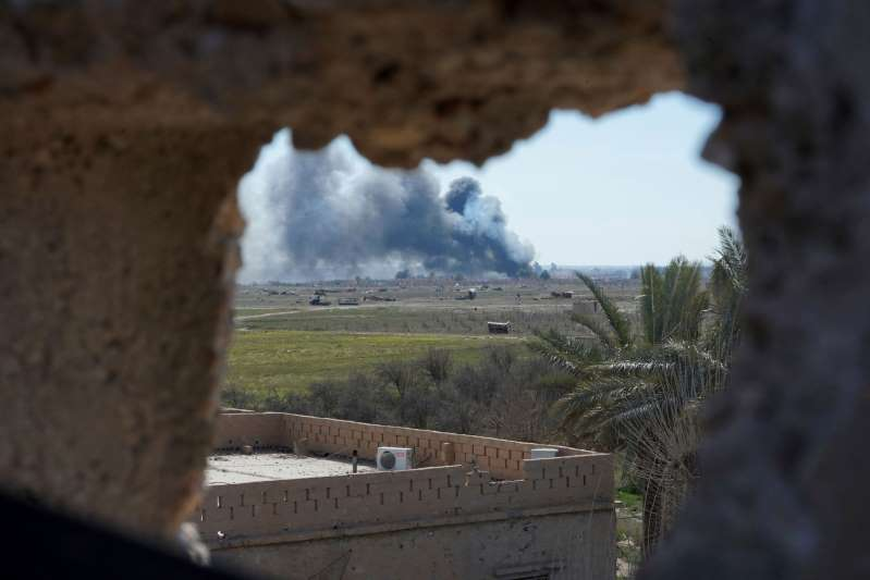IS fighters put up fierce resistance to defend last pocket