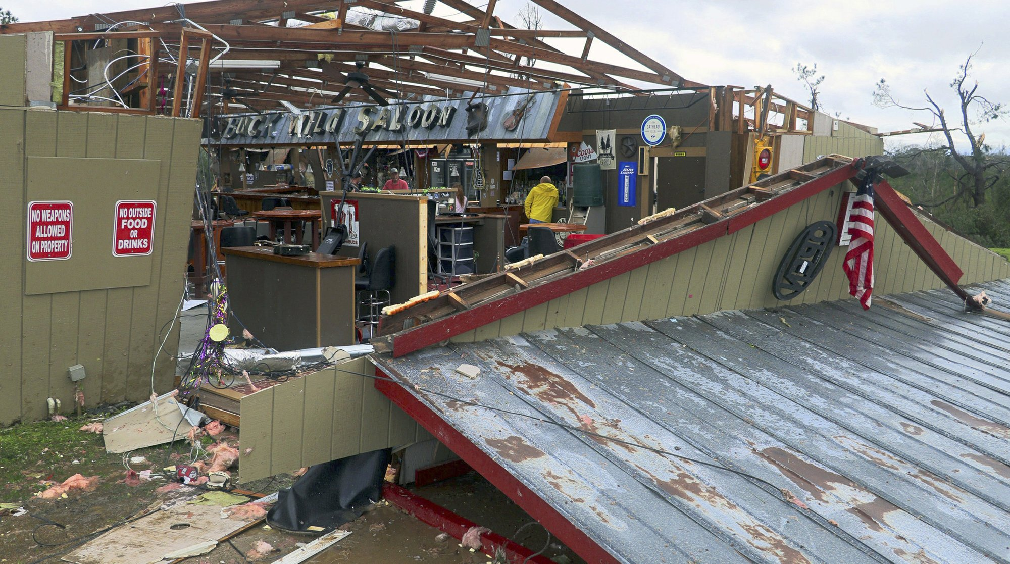Tornado kills 23 in Alabama, rescuers search for victims