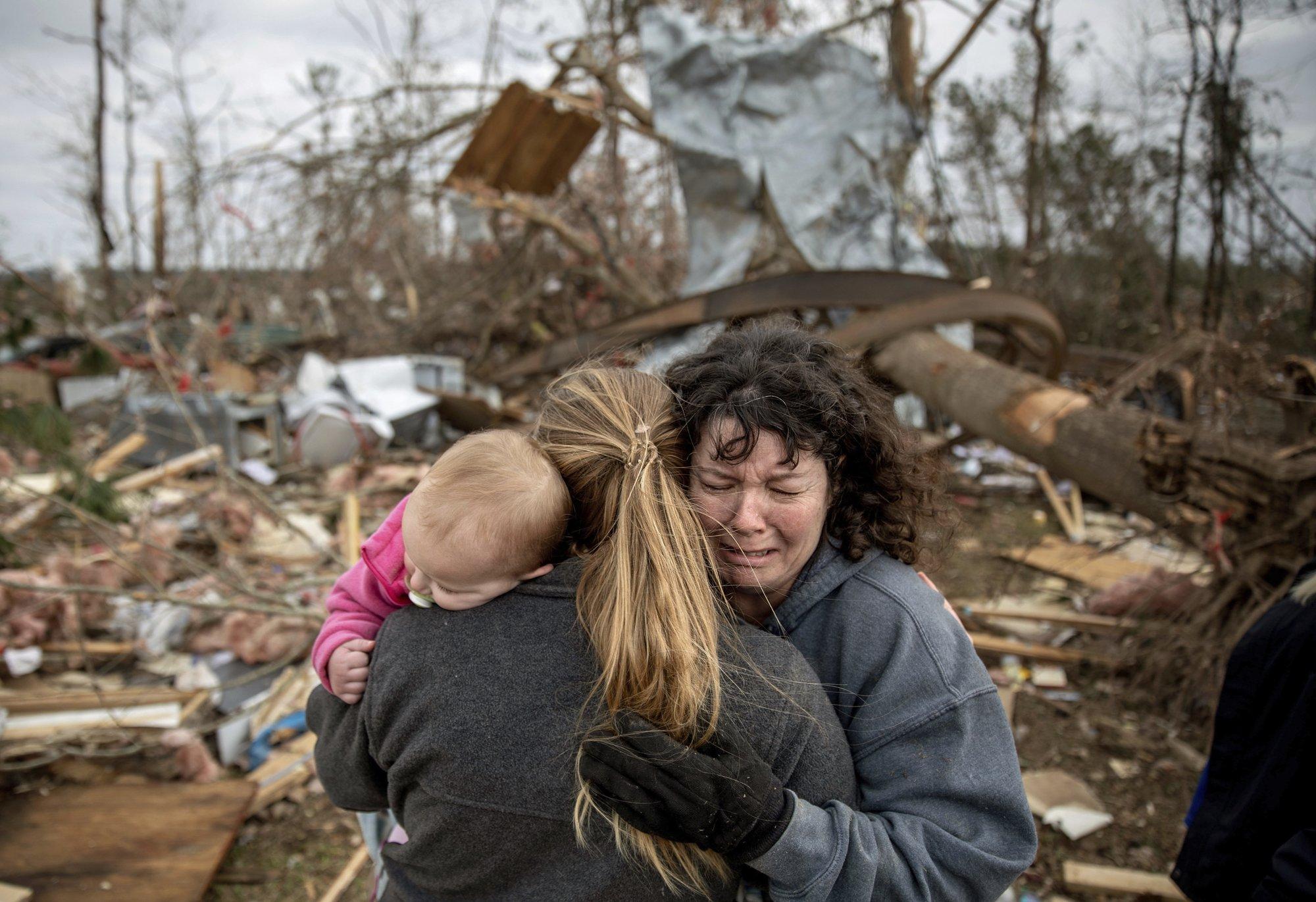 23 dead, dozens missing in tornado-blasted US Alabama community