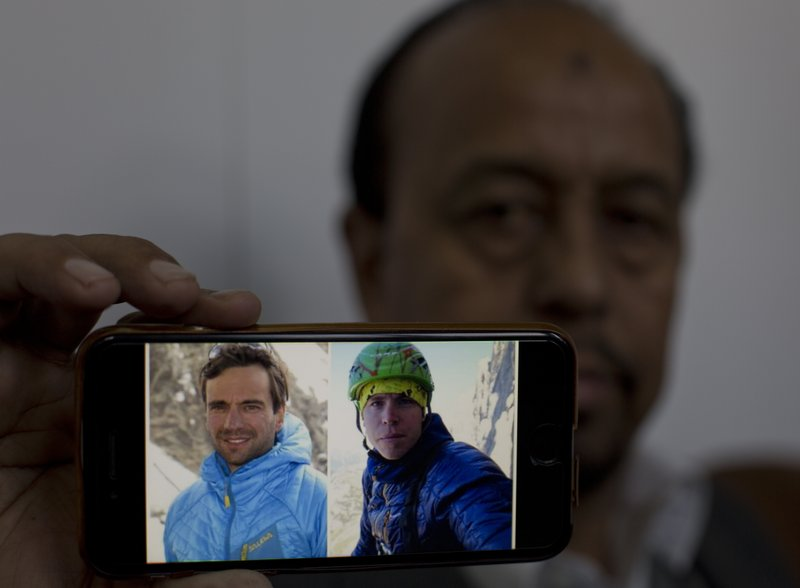 Search for Italian, Scot climber resumes on Pakistan peak