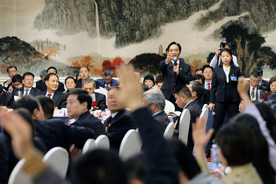 Henan delegation meeting open to media