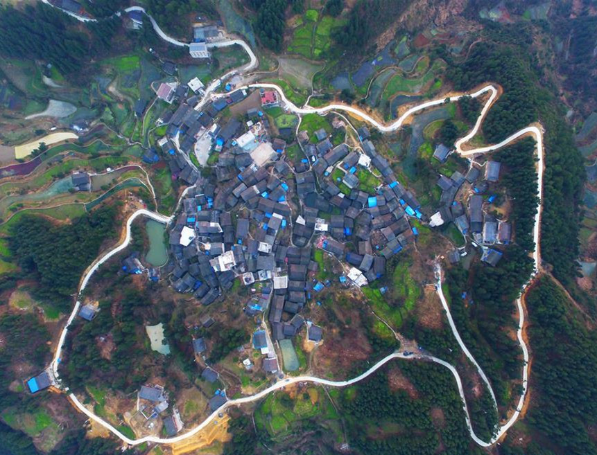 Concrete road project benefits rural people in SW China's Guizhou